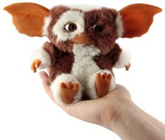 The gremlins gave me my first memorable nightmare as a kid, but I always loved Gizmo.funny I have a plush gizmo Back In My Day, Back In The 90s, School Memories, Great Memories, Baby Memories, Childhood Toys, My Childhood Memories, Peter Et Sloane, Gremlins Gizmo