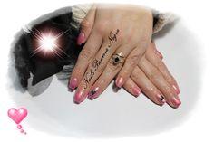 Unhas em Gel cor Rosa camaleão (muda de cor) com nail art feita á mão <3  Aplicação de unhas de Gel ,Acrílico e verniz gel e Hidratação de parafina!