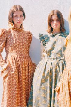 look Long bohemian dresses, boho style maxi dresses Boho Style Dresses, Boho Dress, Dress Up, Dress Shoes, Shoes Heels, Shirt Dress, Modest Fashion, Fashion Dresses, Maxi Dresses