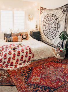 21 comfortable boho rustic bedroom design ideas – cozy home comfy Stylish Bedroom, Cozy Bedroom, Bedroom Apartment, Modern Bedroom, Bedroom Decor, Bedroom Wall, Bedroom Ideas, Apartment Goals, Girls Bedroom