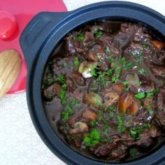 Boeuf Bourguignon - Julia Child's famous recipe for Boeuf Bourguignon Not a big red meat person, but this looks delicious. Beef Recipes, Cooking Recipes, Cooking Beef, Fall Recipes, Yummy Recipes, Soup Recipes, Recipies, Dinner Recipes, Yummy Food