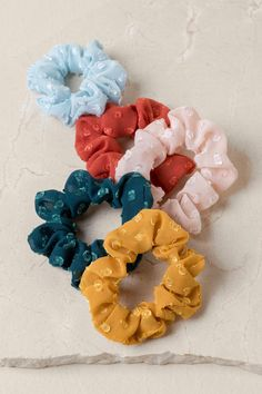 The Len Swiss Dot Scrunchie Set features 5 assorted colors of scrunchies. Scrunchies, All Things Cute, Girly Things, Vsco, Hair Rubber Bands, Accesorios Casual, Best Gifts, Cute Gifts, Modelos Fashion