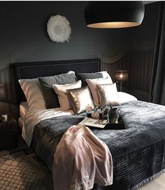 Bedroom ideas for modern to rustic schemes. Tips and tricks for creating a master bedroom decor. Dream Rooms, Dream Bedroom, Home Bedroom, Bedroom Wall, Bedroom Inspo, Bedroom Ideas, Design Bedroom, Bedroom Decor For Couples, Beautiful Bedrooms