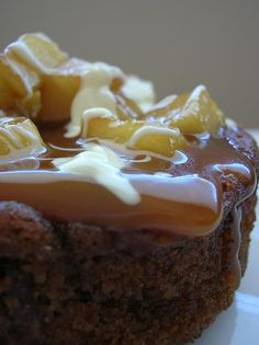 Caramel Apple Cake - A definite recipe that I will have to try.  Absolutely beautiful!