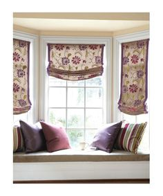 Relaxed Roman blinds with banding