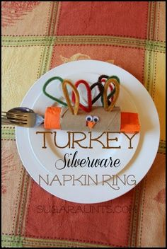 Turkey Silverware Napkin Ring  {30 Days of Thanksgiving Activities for Kids}   ~   HowToHomeschoolMyChild.com ~ #30DaysOfGratitude