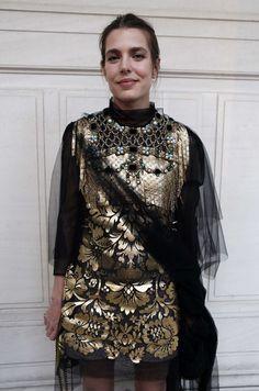 En pleine Fashion week, Charlotte Casiraghi figurait ce mardi soir au nombre des invités, triés sur le volet, du très chic gala de la Vogue Paris Foun...