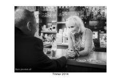 R'dam cafe Timmer street photography black and white.  straatfotografie zwart wit.