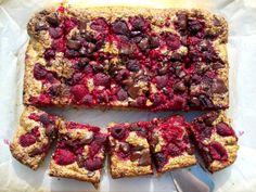 Vaníliás mogyorópite málnával és csokidarabokkal :: Paleország :: Recepttár