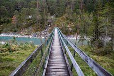 Eine der vielen Brücken über den Lech. Le Ch, Wanderlust, Kaprun, House, Hiking, Viajes