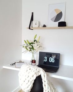 There is no amount of dusting that will get rid of my hubbys plaster dust  oh well i can try! Hope your monday isnt a wet one like mine!  #officespace #blackandwhiteinterior #interiorforyou #myhome