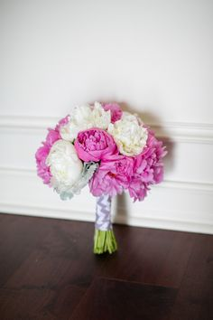 pink and white bouquet http://www.weddingchicks.com/2013/10/04/wedding-in-turquoise-and-pink/