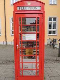 Cabina telefónica con libros en Brühl
