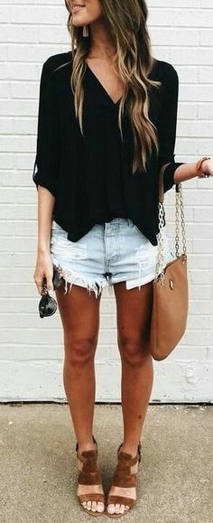 10 Exclusive Summer Outfits To Keep Casual Summer Fashion Style. Very Light and Fresh Look. The Best of casual fashion in Stylish Summer Outfits, Spring Outfits, Casual Outfits, Casual Street Style Summer, Office Outfits, Casual Pants, Mode Outfits, Short Outfits, Fashion Outfits