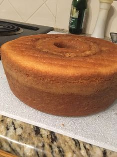 "From previous Pinner: ""How to Make My Great Grandmas Pound Cake Recipe"" Bunt Cakes, Cupcake Cakes, Food Cakes, Grandma's Pound Cake Recipe, Delicious Desserts, Dessert Recipes, Cupcake Recipes, Dessert Ideas, Breakfast Recipes"