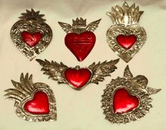 Milagritos Mexican Artwork, Mexican Folk Art, Mexican Style, Fantasy Words, Faith Crafts, Metal Embossing, Metal Projects, Sacred Heart, Heart Art