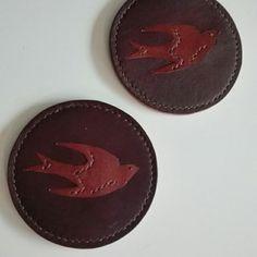 北欧風 革のツバメ(鳥)さんのコースター2点セット