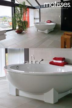 Los baños con acabados industriales y decorados de una manera sobria son característicos de un hogar tipo loft.