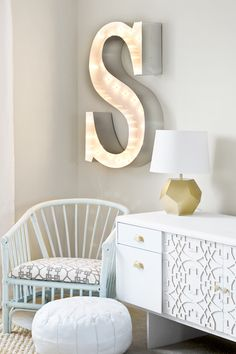 DIY Marquee Letter & Renter-Friendly Curtains {Sarah M. Diy Marquee Letters, Marquee Sign, Marquee Lights, Deco Dyi, Diy Casa, Bedroom Decor, Wall Decor, Bedroom Ideas, My New Room