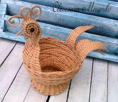 Photo Wicker Baskets, Home Decor, Paper Envelopes, Decoration Home, Room Decor, Home Interior Design, Home Decoration, Woven Baskets, Interior Design