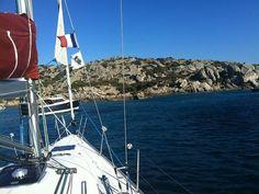 Festa di San Giovanni in barca in Costa Azzurra. #festasangiovanninbarcavela #barcavelaincostazzurra #skipperclub #festadisangiovannibarcavela #vacanzeinbarcavela