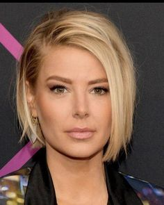 66 Chic Short Bob Hairstyles & Haircuts for Women in 2019 - Hairstyles Trends Short Thin Hair, Short Hair Cuts, Short Hair Styles, Short Blonde, Choppy Bob Hairstyles, Bob Hairstyles For Fine Hair, Simple Hairstyles, Pixie Hairstyles, Headband Hairstyles