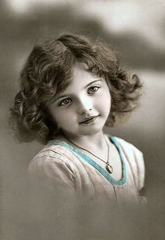 Magic Moonlight Free Images- she has a lot of free vintage photos!!