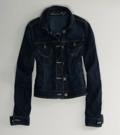AE Dark Denim Jacket goes perfectly with a pair of colored or patterned jeans!