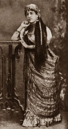 CYL:The Roving Roma - A young Roma performer- 19th c: Svenko
