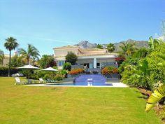 Villa Vivaldi - Sierra Blanca - Modern style & sea views