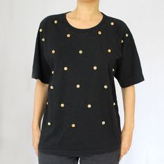 T-Shirt noir avec boule en bois Monopole, T Shirt Noir, Chef Jackets, Fashion, Moda, La Mode, Fasion, Fashion Models, Trendy Fashion