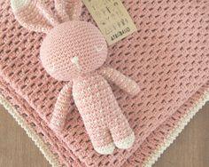 Podes encargar tu manta vainilla Haciendo juego con tu dormilón heno Varios Colores párr combinarConsultas Y PEDIDOS: arandano.aranda@gmail.comhttps: //www.facebook.com/Arandanocrochet