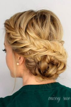 Nice Updos for Delicate Prom Look 5