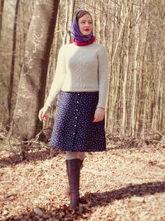 Lilly Jarlsson - Sunday stroll 1940s / 1950s country style. Vintage dress, knit jumper, head scarf and boots.