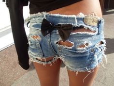 Not much of a shorts person, but I love these, that bow is darling <3