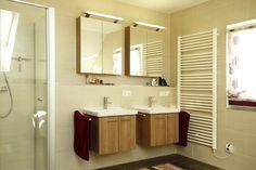 Fertighaus - Wohnidee Badezimmer #Haus #Fertighaus #Badezimmer #Waschbecken #hell #Licht