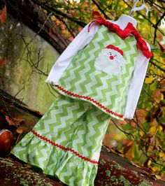 Girl's Christmas Santa Applique A-line Dress and Ruffle Pants SET Sewing For Kids, Baby Sewing, Sewing Ideas, Sewing Crafts, Sewing Projects, Xmas Dresses, Christmas Dresses, Christmas Clothes, Holiday Dresses