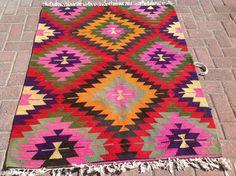 GORGEOUS Diamond Design Kilim rug, small eye dazzler kilim, Vintage Turkish kilim rug, small area rug, vintage rug, bohemian bathroom rug