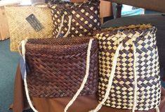 Nga kete Flax Weaving, Louis Vuitton Damier, Pattern, Bags, Fashion, Handbags, Moda, Linen Fabric, Fashion Styles