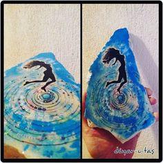 #stonepaintingart #stone #art #stoneart #taşboyama #taş #taşsanatı #handmade #elyapımı #girl #resim #painting