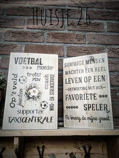 Houten tekstbord ... voetbal ...