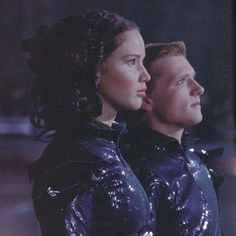 In this picture katniss kinda looks like that lady from the Disney movie monsters inc. with the snakes in her hair.
