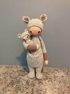 KIRA the kangaroo made by Erin M. / crochet pattern by lalylala