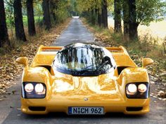 #Porsche #Dauer 962 Le Mans, very rare example of a race car that's road legal. 750 turbohorses under the bonnet.