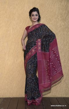 Another classic in black and maroon, this stunningly beautiful pure cotton Pochampally saree is an object of desire. Sinfully lovely, this saree defines passion. The zig zag designs on the beautiful pallu contrast with the amazing designs on the body. Shop this fantastic Divyakalaa Double Ikat Pure Pochampally Cotton Saree to look awe-inspiring.