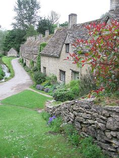Bibury - In The Cotswolds. Beautiful but I would rather fields than neighbours! England Ireland, England And Scotland, Places Around The World, Around The Worlds, Beau Site, English Village, British Countryside, Cabins And Cottages, Stone Cottages