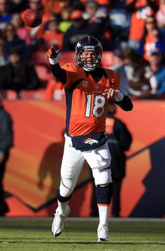 Peyton Manning throws a rocket for the Denver Broncos, NFL Football Denver Broncos Football, Go Broncos, Broncos Fans, John Elway, Sports Memes, Peyton Manning, Karen, Sports Photos, American Football