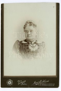 Cabinet Card Photo Victorian Woman Wearing Glasses Gas &