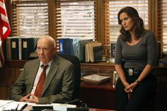 Still of Mariska Hargitay and Dann Florek in Law & Order: Special Victims Unit