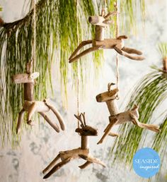 Reclaimed driftwood is carefully selected to create our leaping reindeer tree ornaments. Each ornament is suspended by twin loops. Each set includes 4 different style reindeer. Nautical Christmas, Beach Christmas, Noel Christmas, Rustic Christmas, Christmas Vignette, Cowboy Christmas, Purple Christmas, Reindeer Christmas, Driftwood Projects